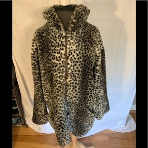 Young Gallery vintage faux leopard fur jacket. L